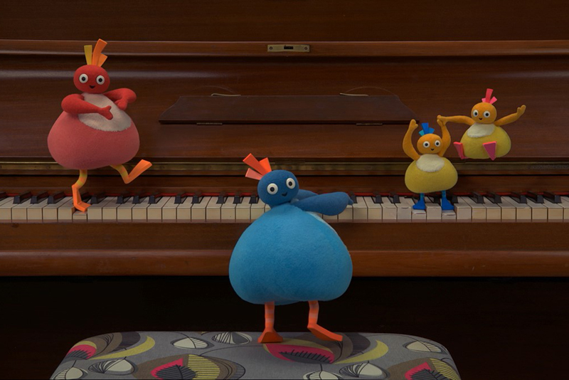 twirlywoos-play-piano